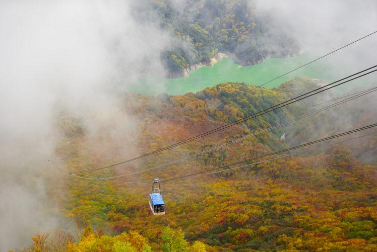 立山黒部アルペンルート旅行|大観峰のロープウェイと紅葉