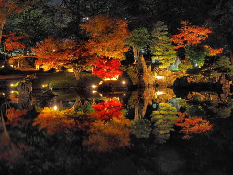 関西・滋賀のおすすめ紅葉スポット「彦根城・玄宮園」
