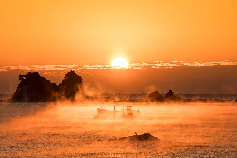 和歌山の絶景スポット「田原の海霧」