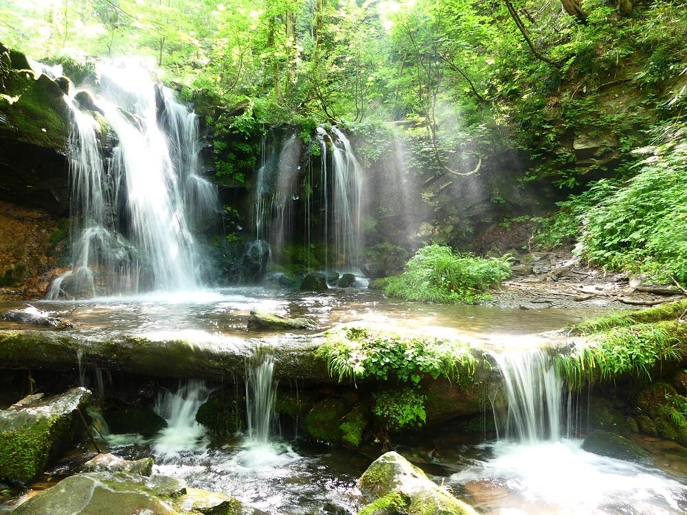 兵庫の絶景「猿壺の滝」