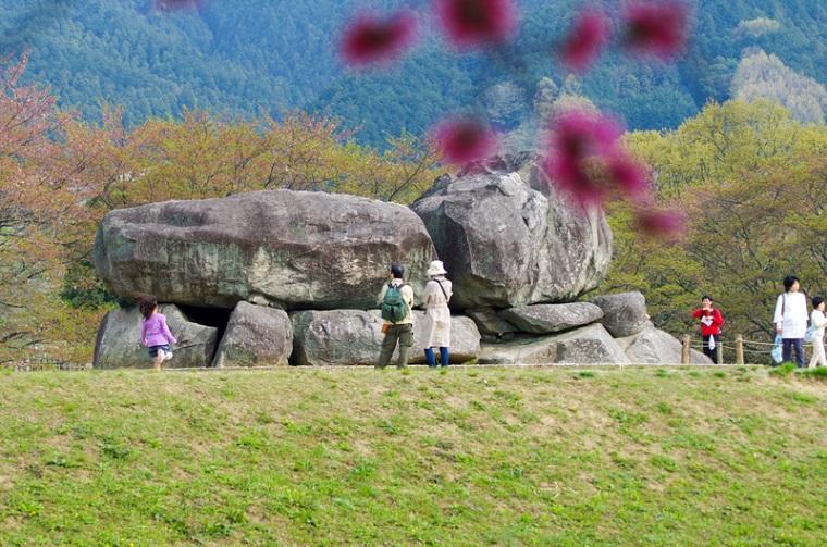 奈良のおすすめ絶景スポット「明日香村/石舞台古墳」