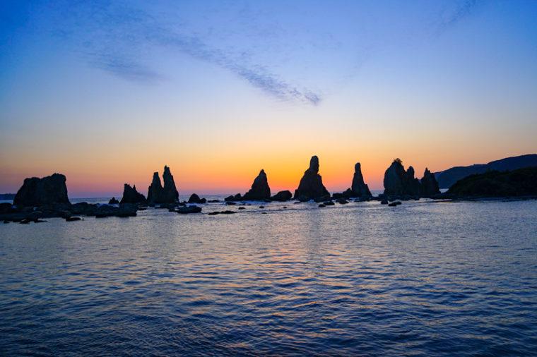 関西のおすすめ絶景スポット「橋杭岩」