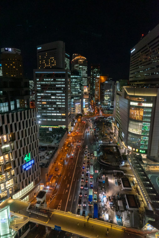 大阪梅田の夜景スポット「梅田阪急ビル スカイロビー」|写真やアクセス・駐車場などを紹介