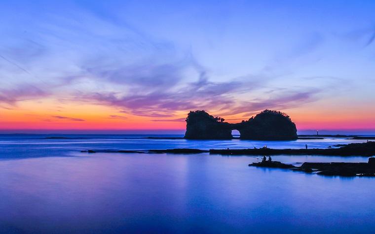 和歌山県白浜町の円月島の夕日