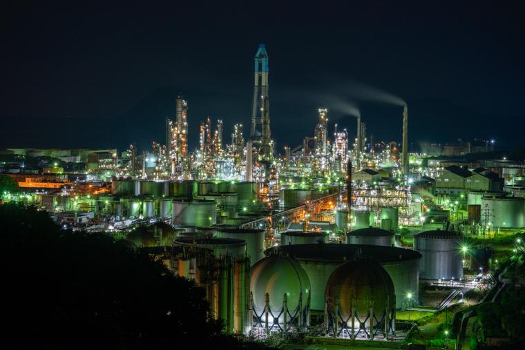ENEOS和歌山製油所(旧東燃ゼネラル石油)の工場夜景